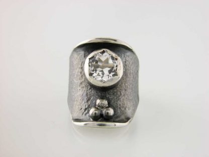 kate-wilcox-leigh-ring-sterling-textured-quartz-front
