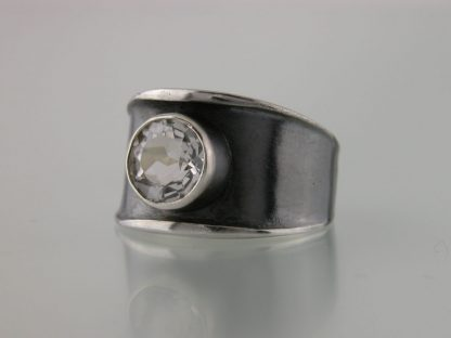 kate-wilcox-leigh-ring-thickened-edge-narrow-sterling-quartz-3qtr