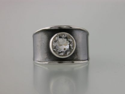 kate-wilcox-leigh-ring-thickened-edge-narrow-sterling-quartz-front
