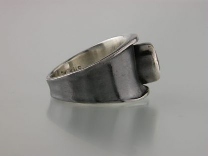 kate-wilcox-leigh-ring-thickened-edge-narrow-sterling-quartz-side