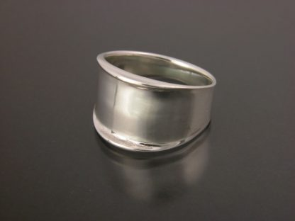 Kate Wilcox-Leigh Ring Narrow Thickened Edge Sterling 3qtr Right View